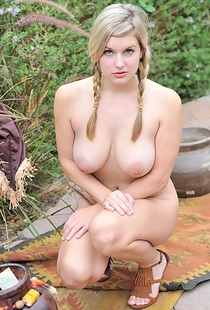 XXX Teen Outdoor Porn Pictures